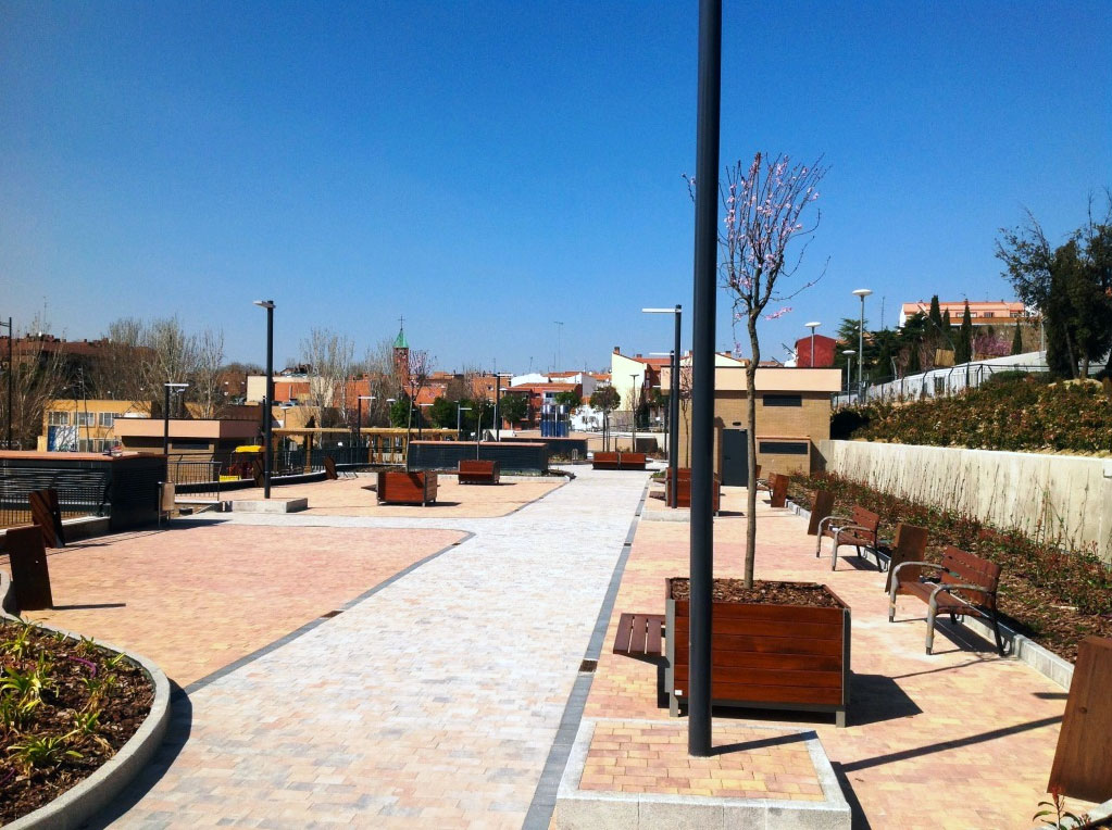 Diputación Guadalajara dará bancos, papeleras y mesas a pueblos de menos de 5.000 habitantes.