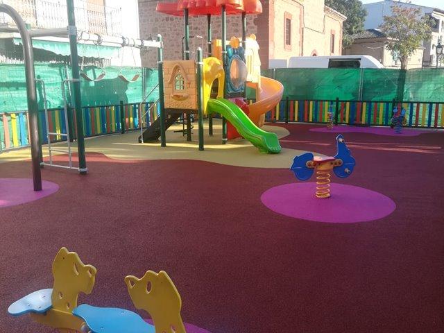 a07a565125c Pavimento de caucho continuo parques infantiles Ayuntamientos