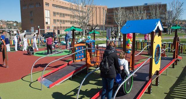 Columpios adaptados para parques infantiles accesibles Toledo